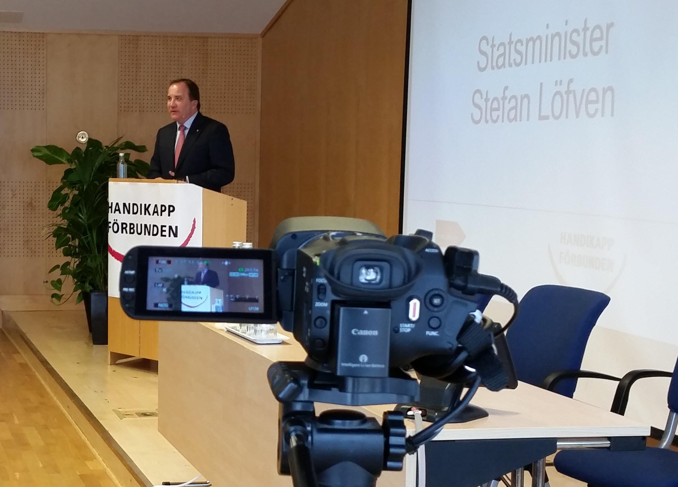 Stillbild från livesändningen av HSO Kongress 2015, Stefan Löfvén i talarstolen